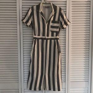 ASOS v neck gray & cream striped dress US 6